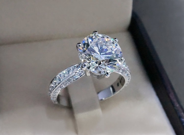 5 Reasons Why You Should Choose Diamond Engagement Rings